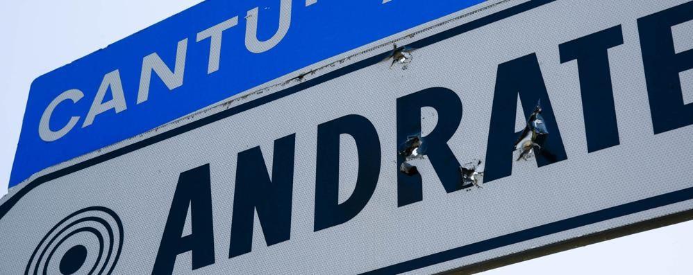 Andrate, spari sul cartello  «Ma è un vecchio fatto...»