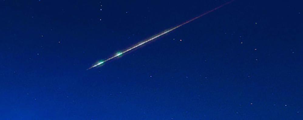 La meteora verde nel cielo  A Como l'hanno vista in tanti