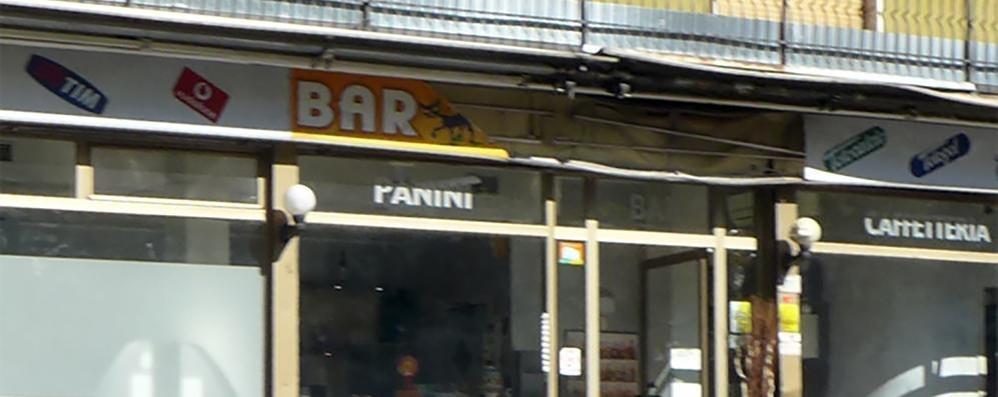 Alzate, incendio al bar  Danni alla facciata e all'insegna