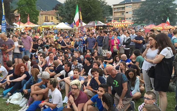 Erba, Forza Italia e la Juve  polemiche per il maxi schermo
