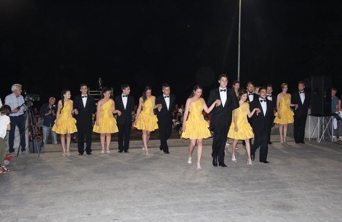 Casnate con Bernate. Foto varie della serata delle debuttanti.