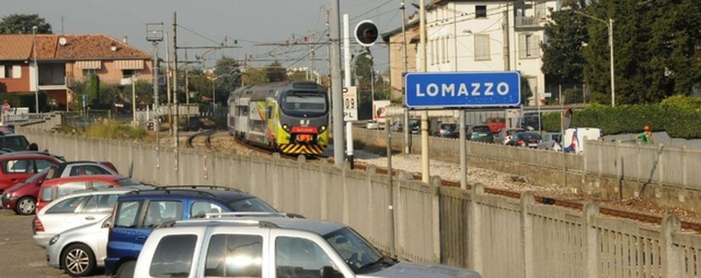Camion abbatte le sbarre  Treni ripartiti sulle Nord