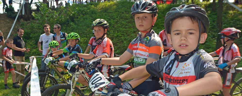 Ad Albiolo si va di ciclocross  Corsa su pista a Olgiate Molgora
