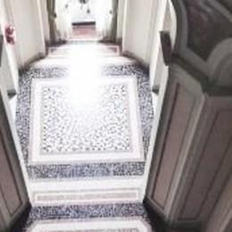 Barriere a Villa Olmo, torna l'ascensore?  «Scempio». Il Comune: «Nulla è deciso»
