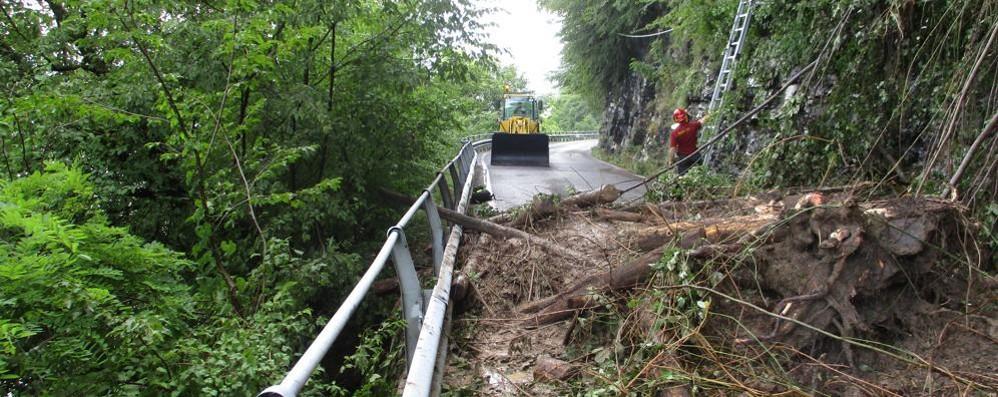Frane e smottamenti Strade chiuse in valle d'Intelvi