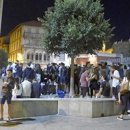 Mercoledrink a Cantù primo test estivo  Niente risse, ma il vetro c'è ancora