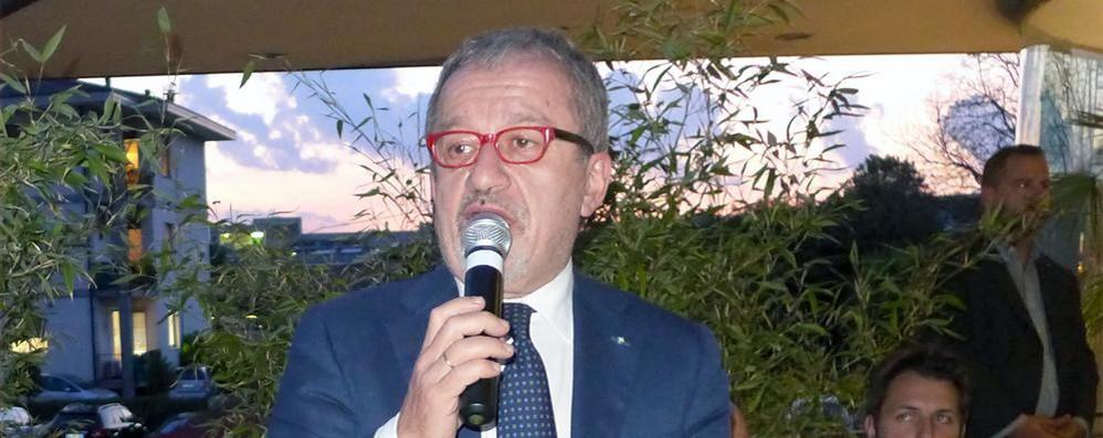 Referendum consultivo lombardo Maroni compra tablet per 23 milioni