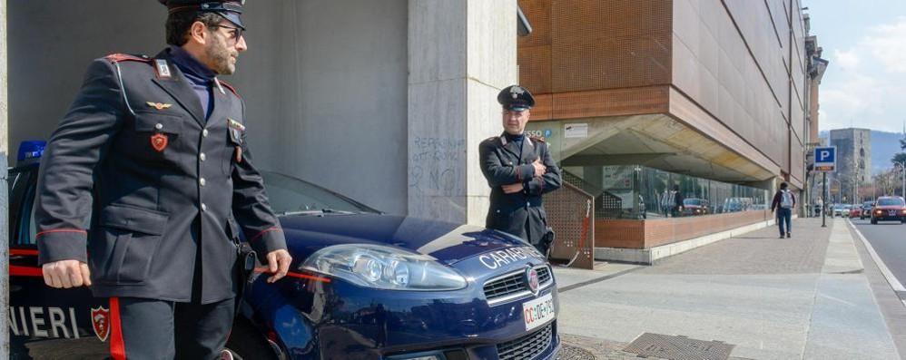 Aggredisce donna all'autosilo Preso da carabiniere fuori servizio