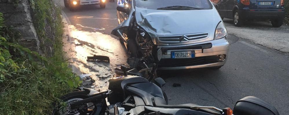 Incidente all'alba  Frontaliere in moto  ferito nello scontro
