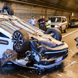 Scontro a Cernobbio  Auto si ribalta, tre feriti