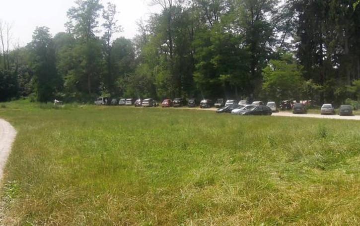 Montorfano e il lido  «Il parcheggio è mio»