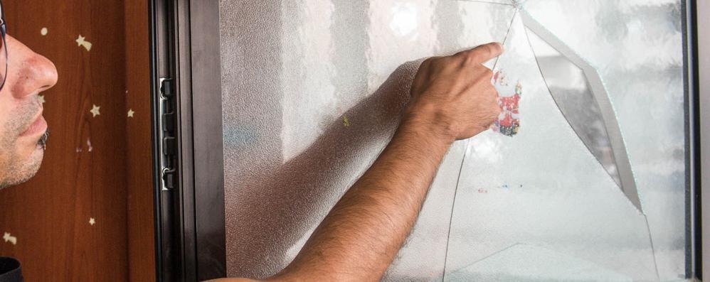 Aggressione in via Giulini    Spinte e graffi dopo i vandalismi