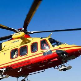 Bimbo di 2 anni cade dal balcone  Soccorso dall'elicottero sopra Cavargna