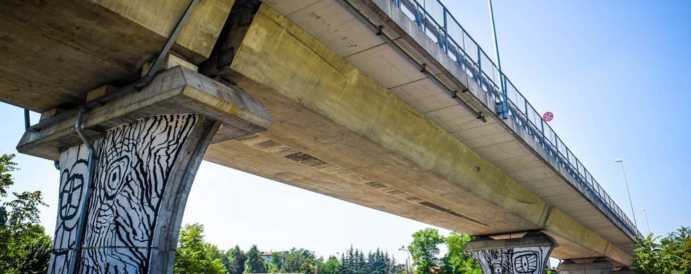 Como, da oggi chiuso alle auto  il viadotto dei Lavatoi. Per un mese