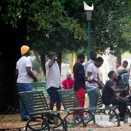 Migranti,Rapinese propone il coprifuoco  «Stiano nei centri dalle 20 alle 8»