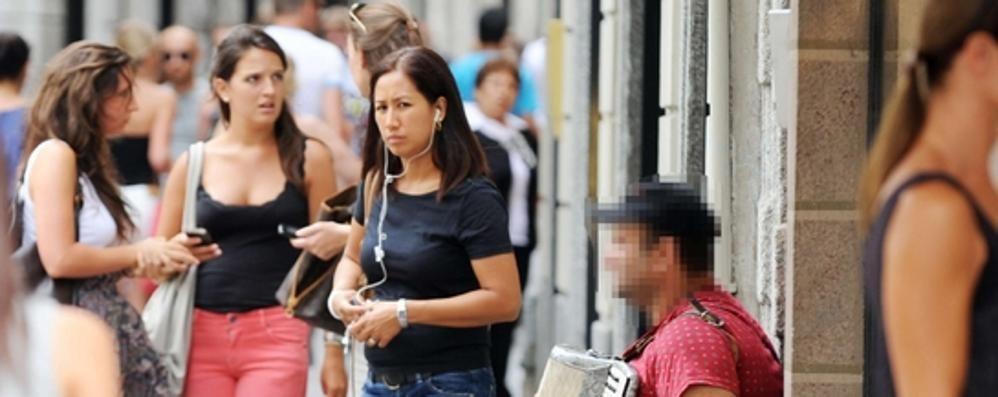 Anti accattoni, la Caritas dice no  Traglio apre: «Prima la legalità»