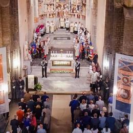 Sant'Abbondio, via alle celebrazioni  Il vescovo alla città: «Ponti e non muri»