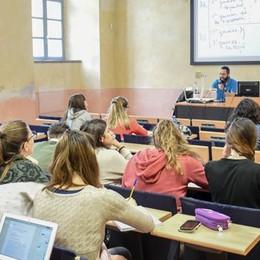 Università, l'ostacolo del numero chiuso  Como oasi felice: niente test d'ingresso