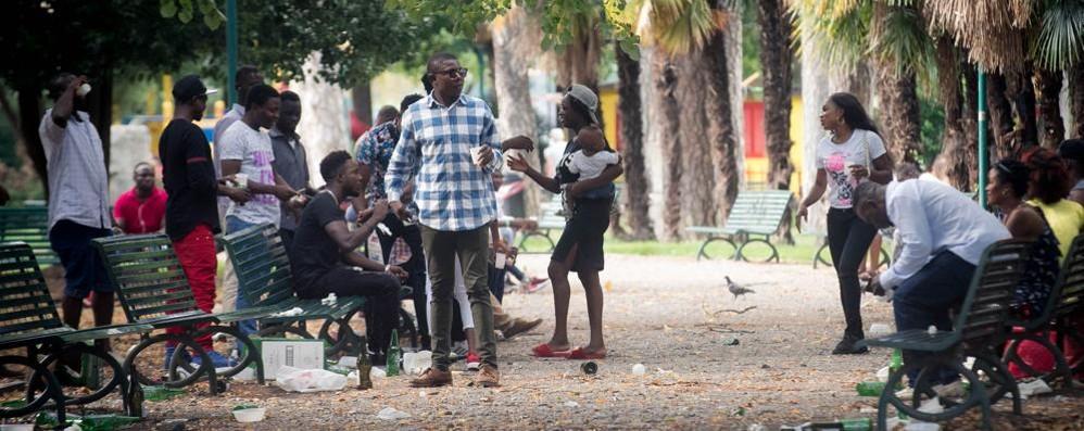 I migranti in città sono saliti a 1.500  E ora cresce la tensione