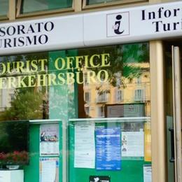 Ufficio turistico di piazza Cavour  Le guide: «Grave errore la chiusura»