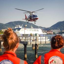 Tragico bagno in viale Geno: giovane annega nel lago - Il video dei soccorsi