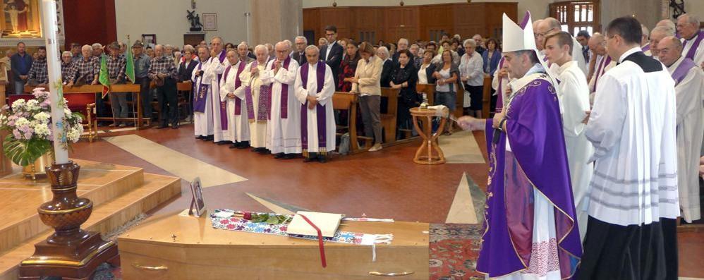 L'arcivescovo Delpini a Cabiate  Ultimo saluto a don Piergiorgio
