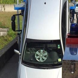 Auto cade dalla bisarca  L'incidente a Rodero