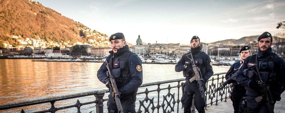 Nuove misure antiterrorismo in città  I carabinieri schierano le forze speciali