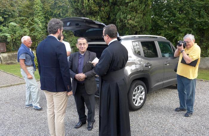 L'arrivo di monsignor Delpini a Merone, al Santuario della Madonna di Pompei