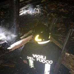 Tavernerio, brucia un tetto    Nessun ferito