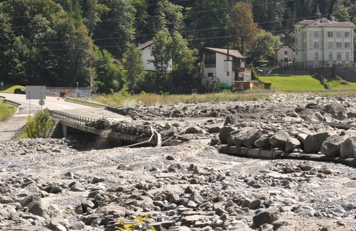 La strada spazzata via in Val Bregaglia