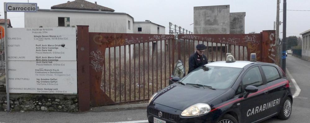 Le aree dismesse di Erba  Il sindaco: «Le farò sigillare»
