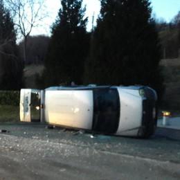 Incidente a Capiago    Bloccata la strada per Montorfano