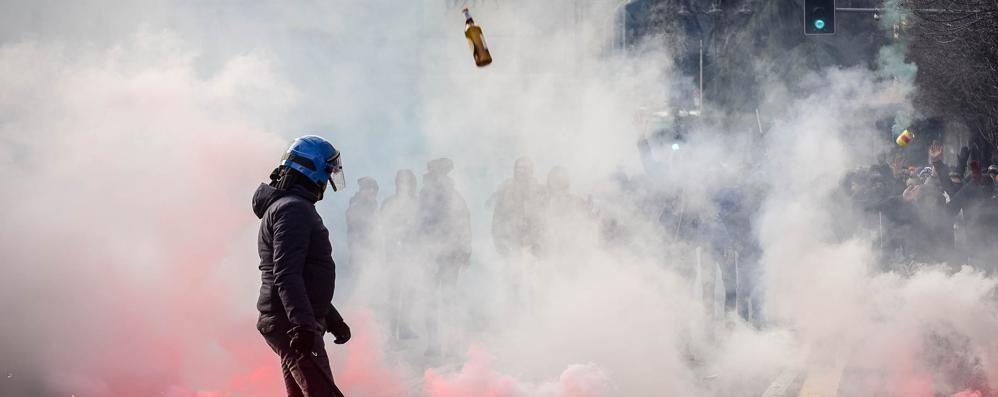 Guerriglia al derby, prime denunce  Quindici gli ultras sotto inchiesta