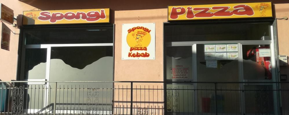 Limido, rapina con pistola in pizzeria   Il titolare li insegue, la moglie sviene
