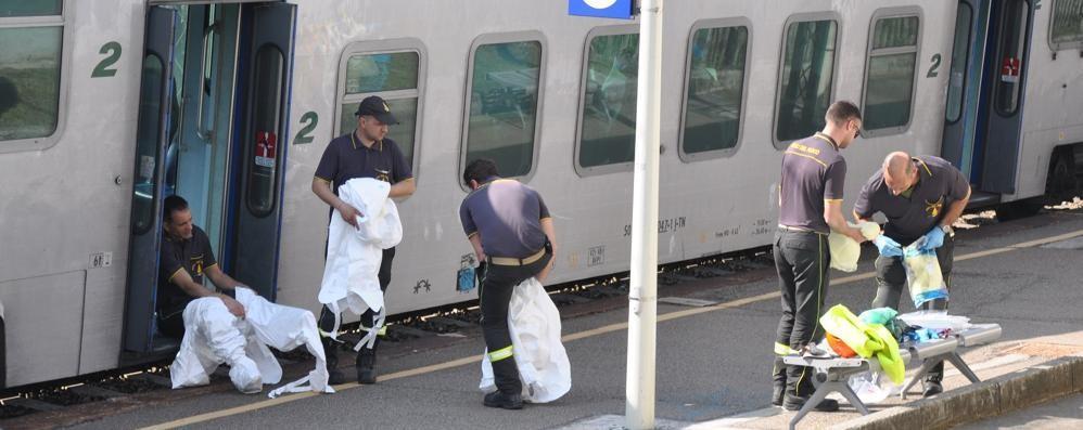 Morto incastrato nella porta del vagone  Capotreno e macchinista sotto accusa