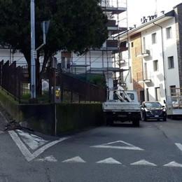 Blitz dei ladri di mattina a Cantù  Cassaforte divelta con il flessibile