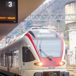 Treno Como-Varese  Prime corse in orario  ma pochi passeggeri