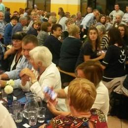 Alla cena in blu ha vinto la solidarietà  Il cuore di Olgiate si mobilita per l'Africa