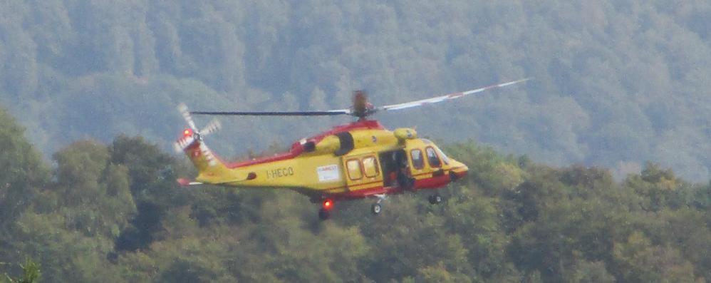 Lanzo Intelvi, cade nel bosco  Soccorso con l'elicottero