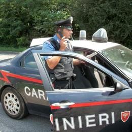 Trascina il vigile con la sua auto  Poi fugge: arrestato a Rovenna