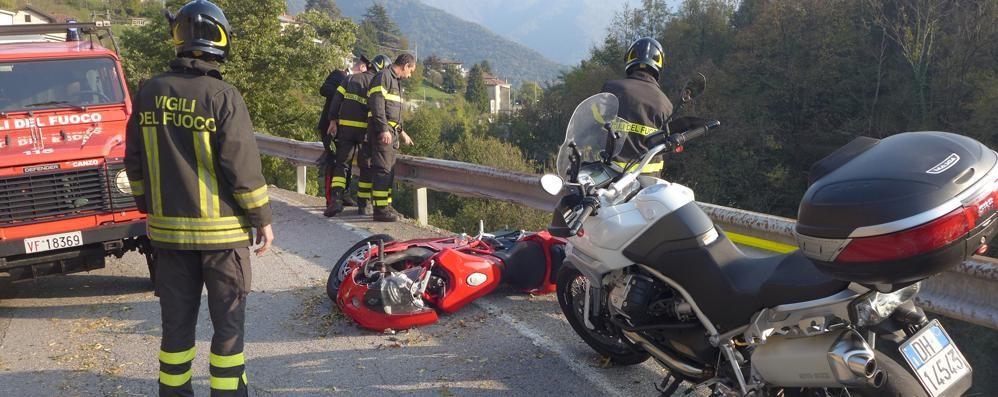 Motociclista caduto nella scarpata  Non è più in pericolo di vita