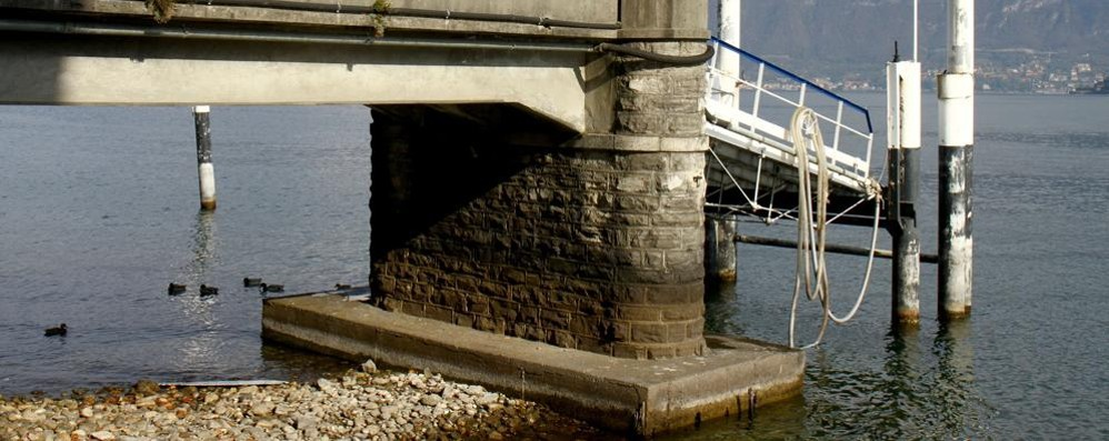 Siccità, lago basso a Cadenabbia  La Navigazione chiude il pontile