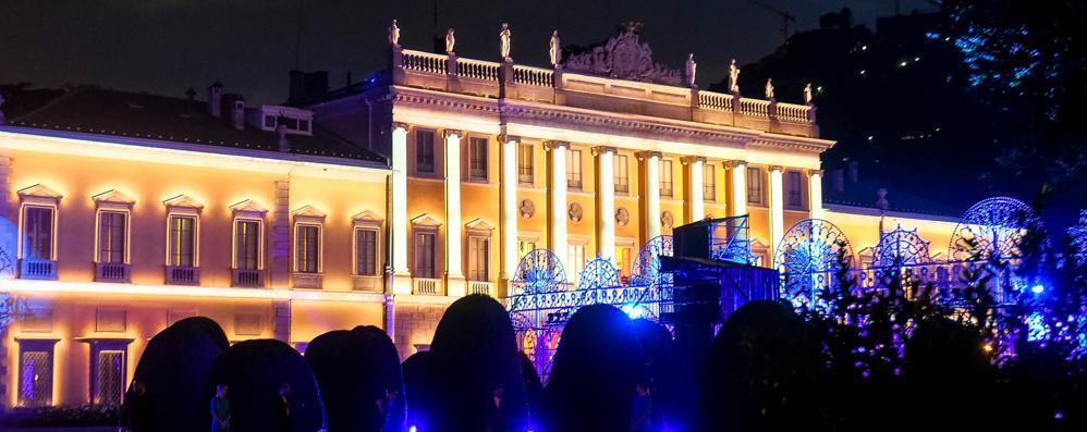 Villa Olmo, musica fino all'alba  «Impossibile chiudere occhio»