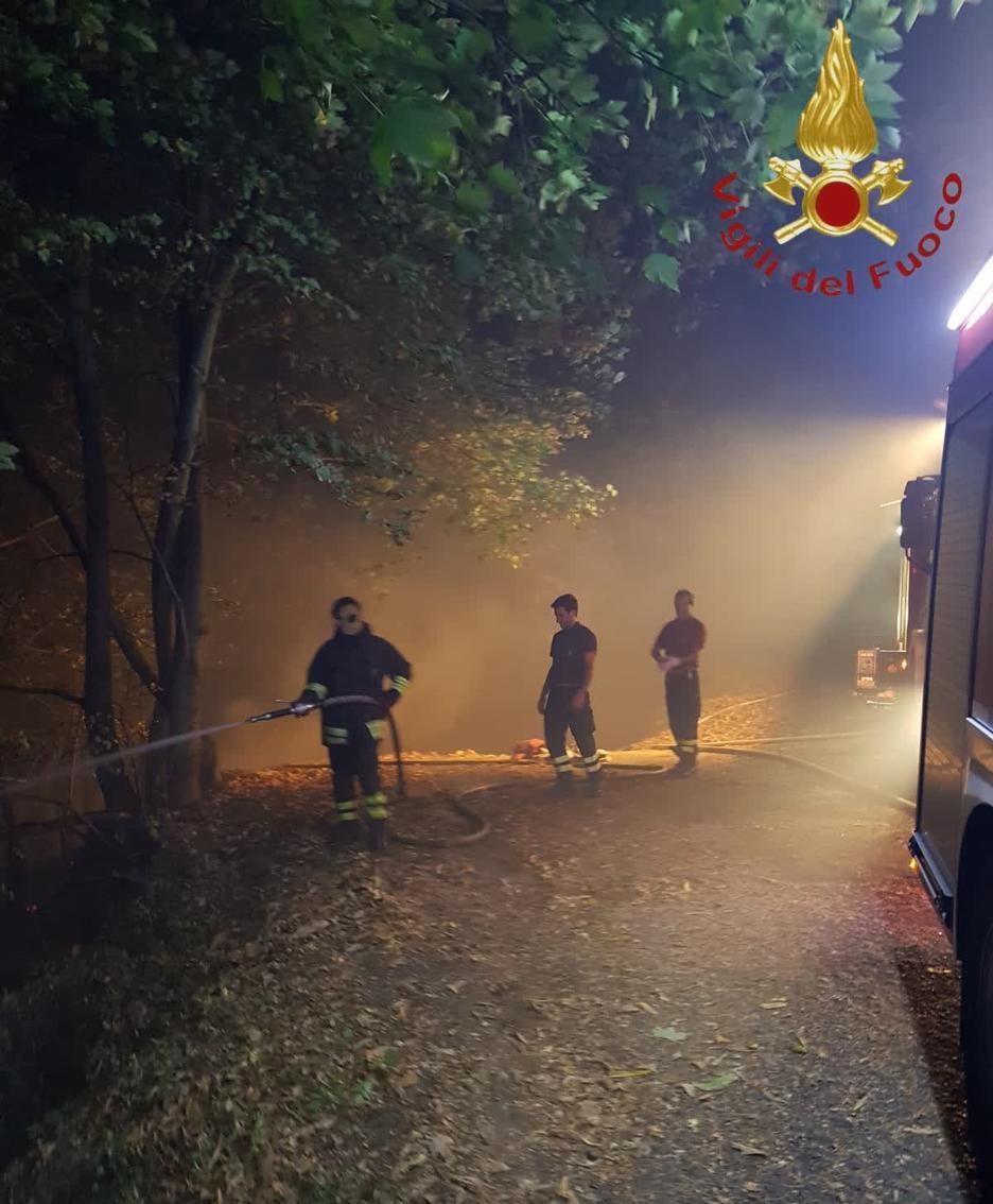 L'impegno di una squadra di pompieri