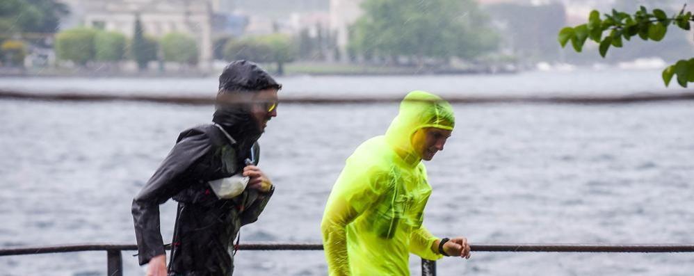 Maltempo, la pioggia non si ferma  Allerta rossa della Protezione civile