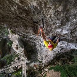 Erba, la proprietà diffida i Ragni di Lecco  «Basta arrampicate al Buco del Piombo»