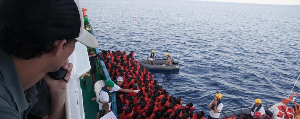 Migranti: Ue, lavoro ong cruciale ma tutti rispettino legge