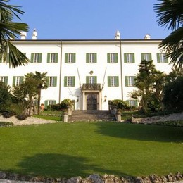 Moltrasio, Villa Passalacqua   in vendita negli Stati Uniti
