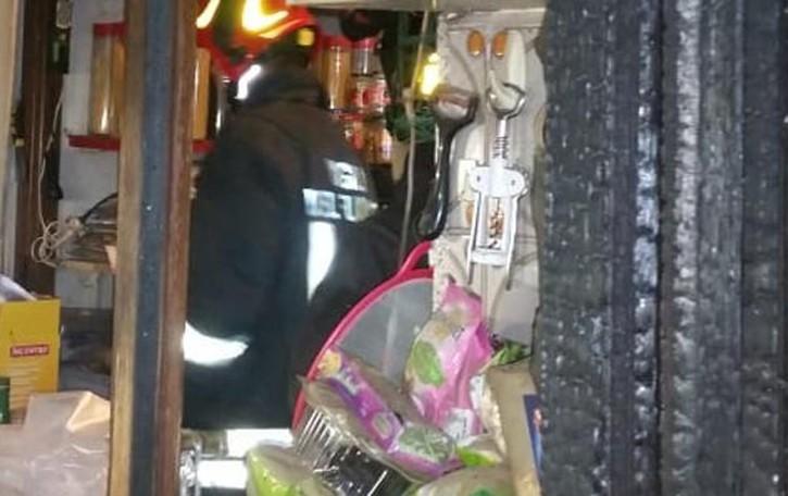 Principio di incendio in casa  Donna salvata a Rovello